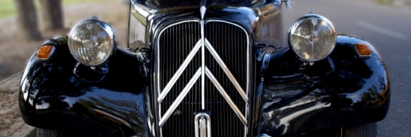 CITROËN TRACTION AVANT 11B (1953)